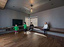 デザイン性と利便性を叶えた住まい、シンプルな空間と自分らしい暮らし ~家づくり編~