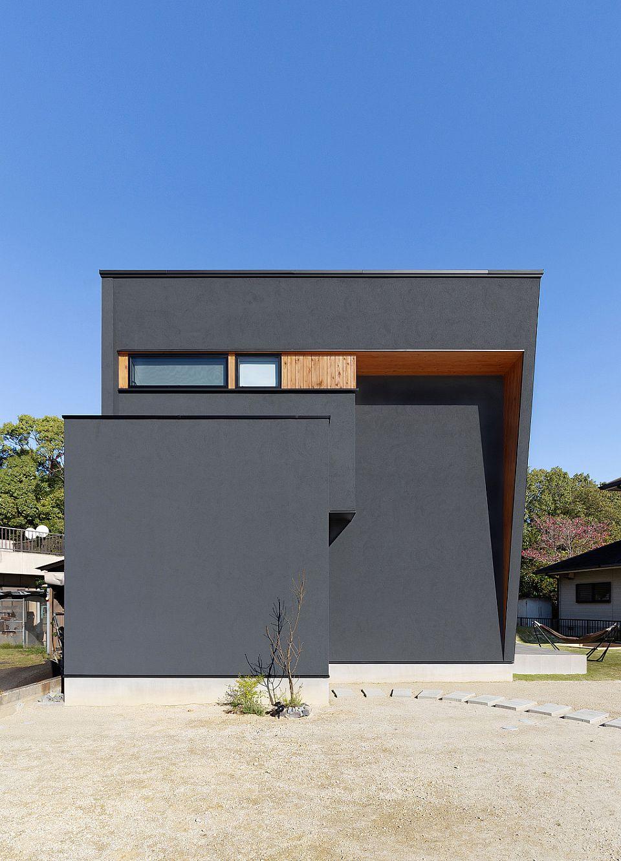 天然木×黒のこだわりの家